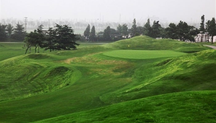 苏州太阳岛国际俱乐部有限公司位于江苏省苏州工业园区跨塘镇阳澄湖