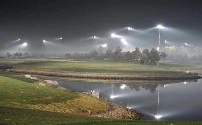 根据总体规划,京华高尔夫俱乐部将以球场为核心,在周边兴建会议中心及