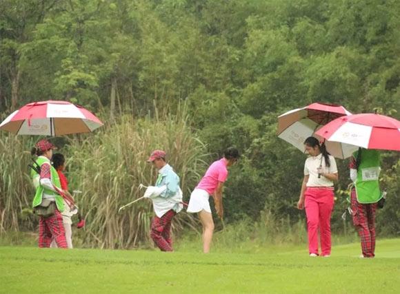 2018四川省青少年高尔夫球积分赛暨u系列赛第四站开杆